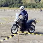Taklukkan Beragam Kondisi Jalan Bromo dengan Kawasaki Versys-X 250