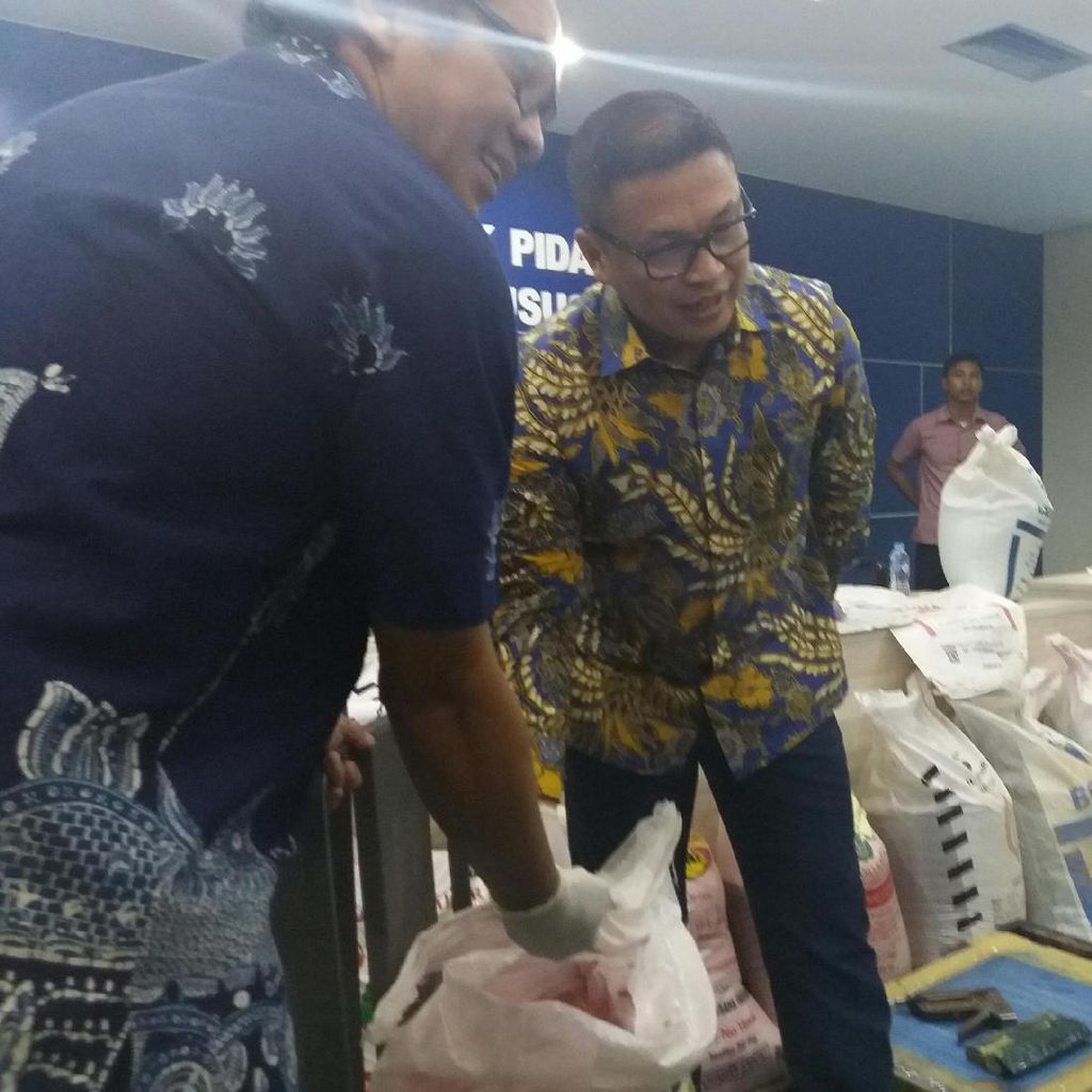 Polisi Bongkar Jaringan Pupuk Palsu di Jabar, 4 Pelaku Dibekuk