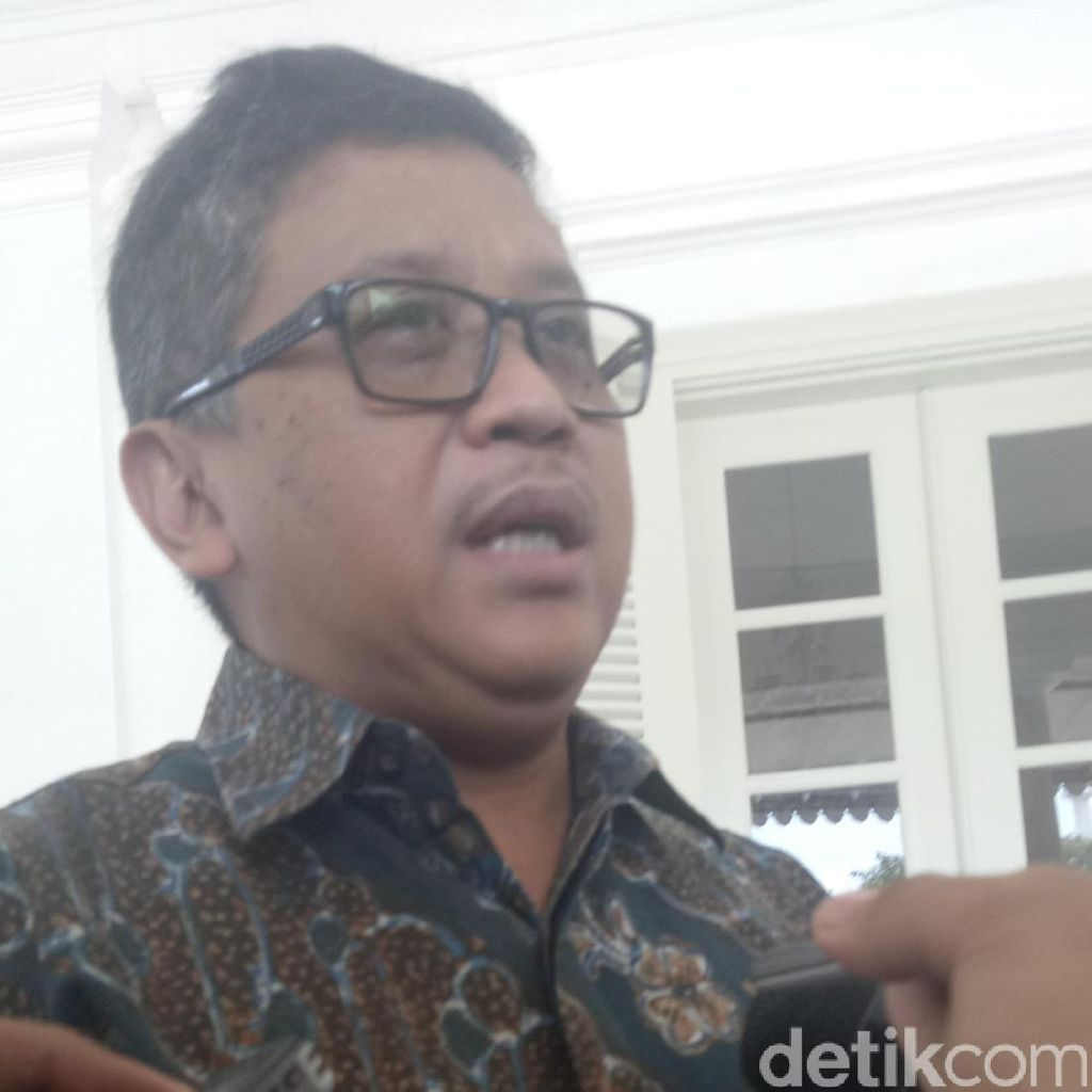 Sekjen PDIP Temui Ahok di Balai Kota
