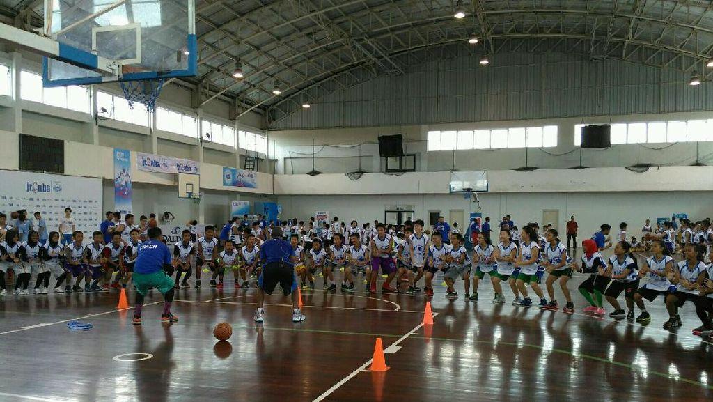Ratusan Anak Jalani Program Jr. NBA di Surabaya