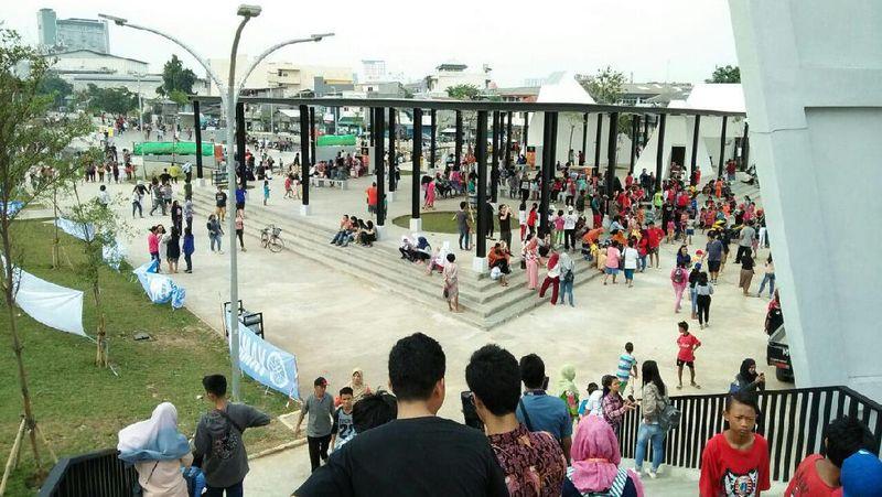 Kalijodo merupakan Ruang Hijau Terbuka (RTH) yang menjadi taman rekreasi di Jakarta. Taman ini dibangun di atas tanah 10.000 m persegi (Bonauli/detikTravel)