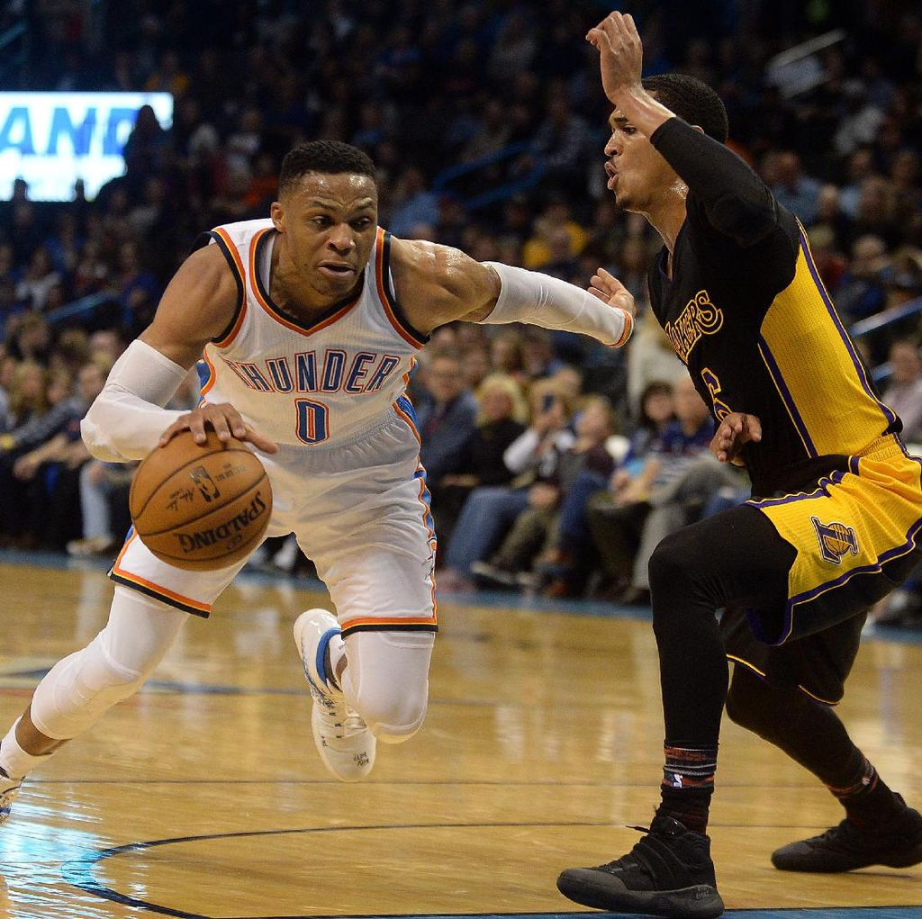 Westbrook Cetak Triple-Double ke-28, Thunder Tundukkan Lakers