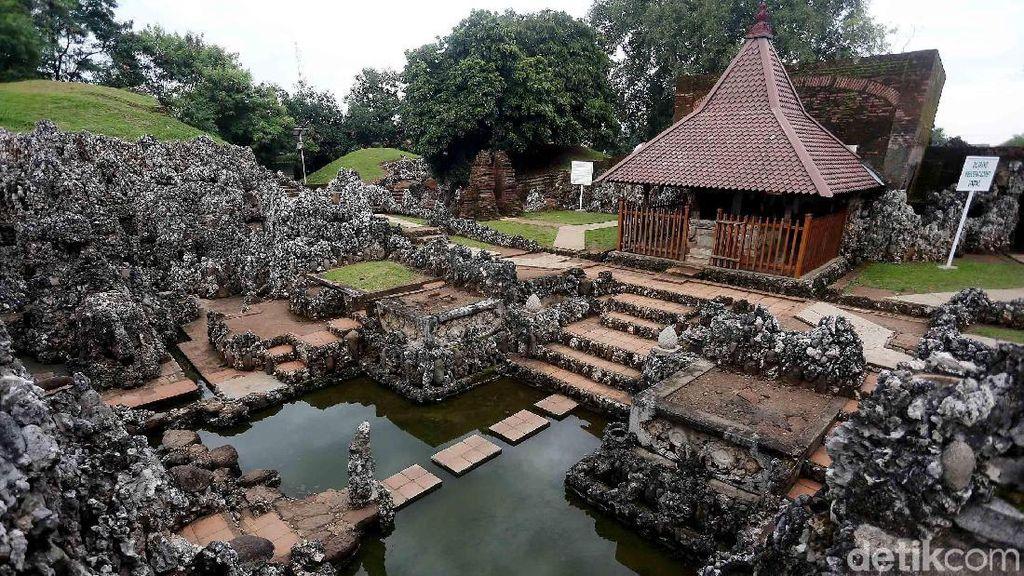 Melihat Istana Karang Peninggalan Keraton Cirebon