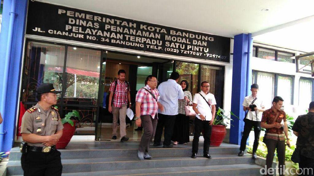 KPK Pantau 80 Adegan Rekonstruksi Pungli Pejabat Pemkot Bandung