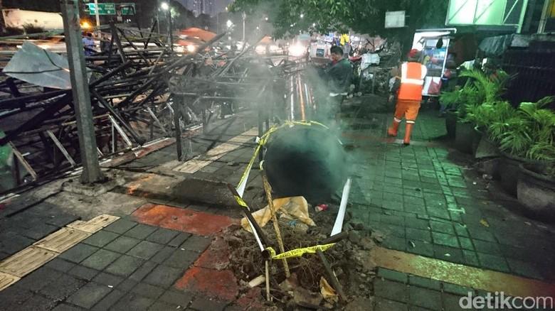 Polisi Periksa 5 Saksi Usut Robohnya Baliho di Slipi
