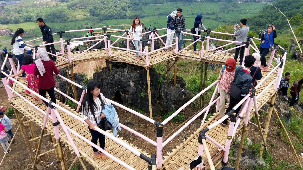 Calon Destinasi Wisata Hits di Sukabumi: Jembatan Hati Karang Para