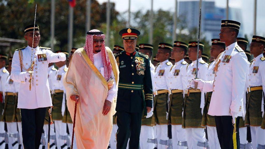 Raja Salman Keliling Asia Jual Saham BUMN Minyak Arab