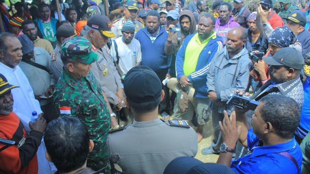 Rusuh Saat Rapat Pleno KPU Intan Jaya Dipicu Senjata Api Pejabat