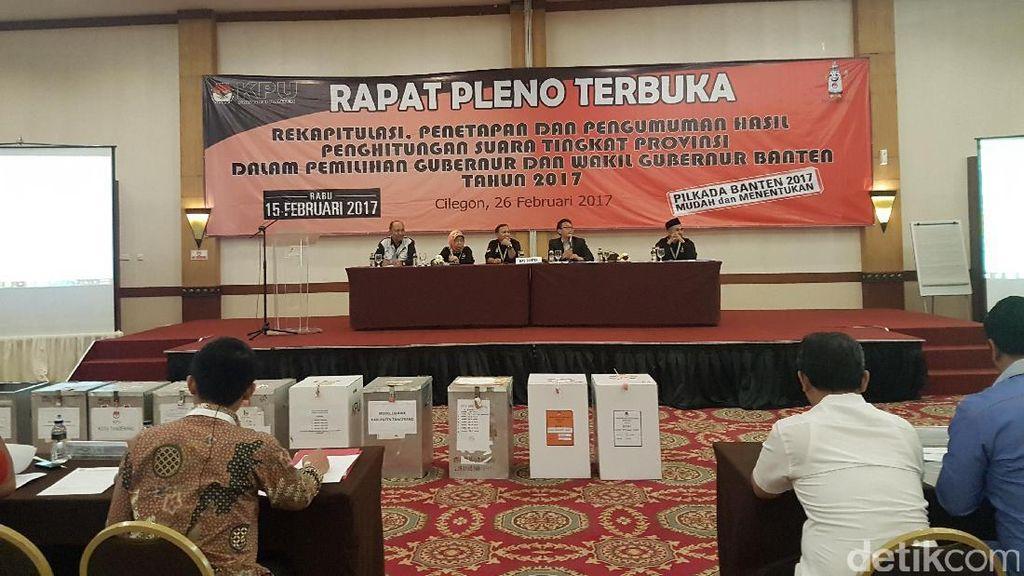 Saksi Pasangan Rano-Embay Walk Out di Pleno KPU Banten