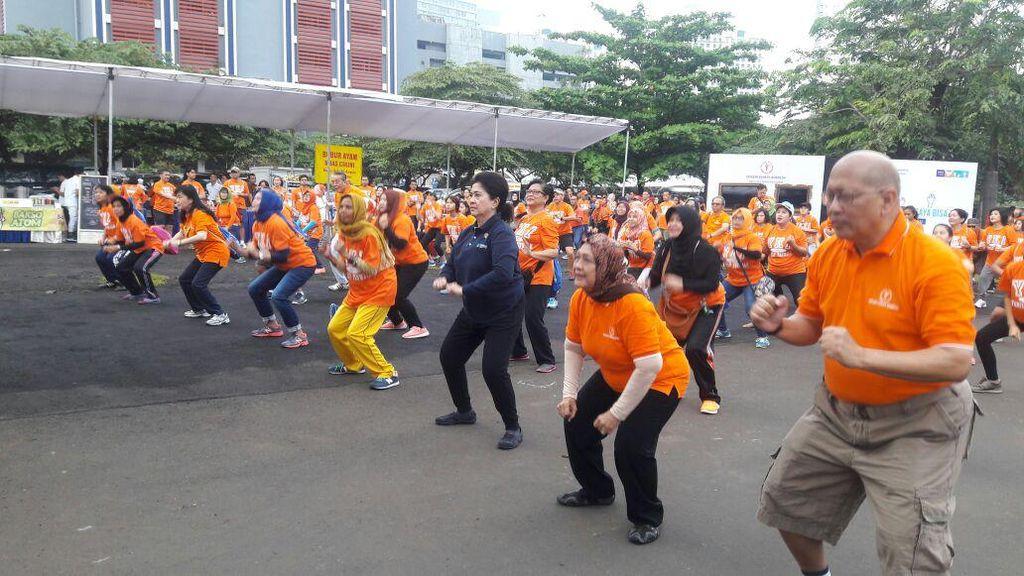 Peringatan Hari Kanker Sedunia Digelar di Kawasan CFD Sudirman