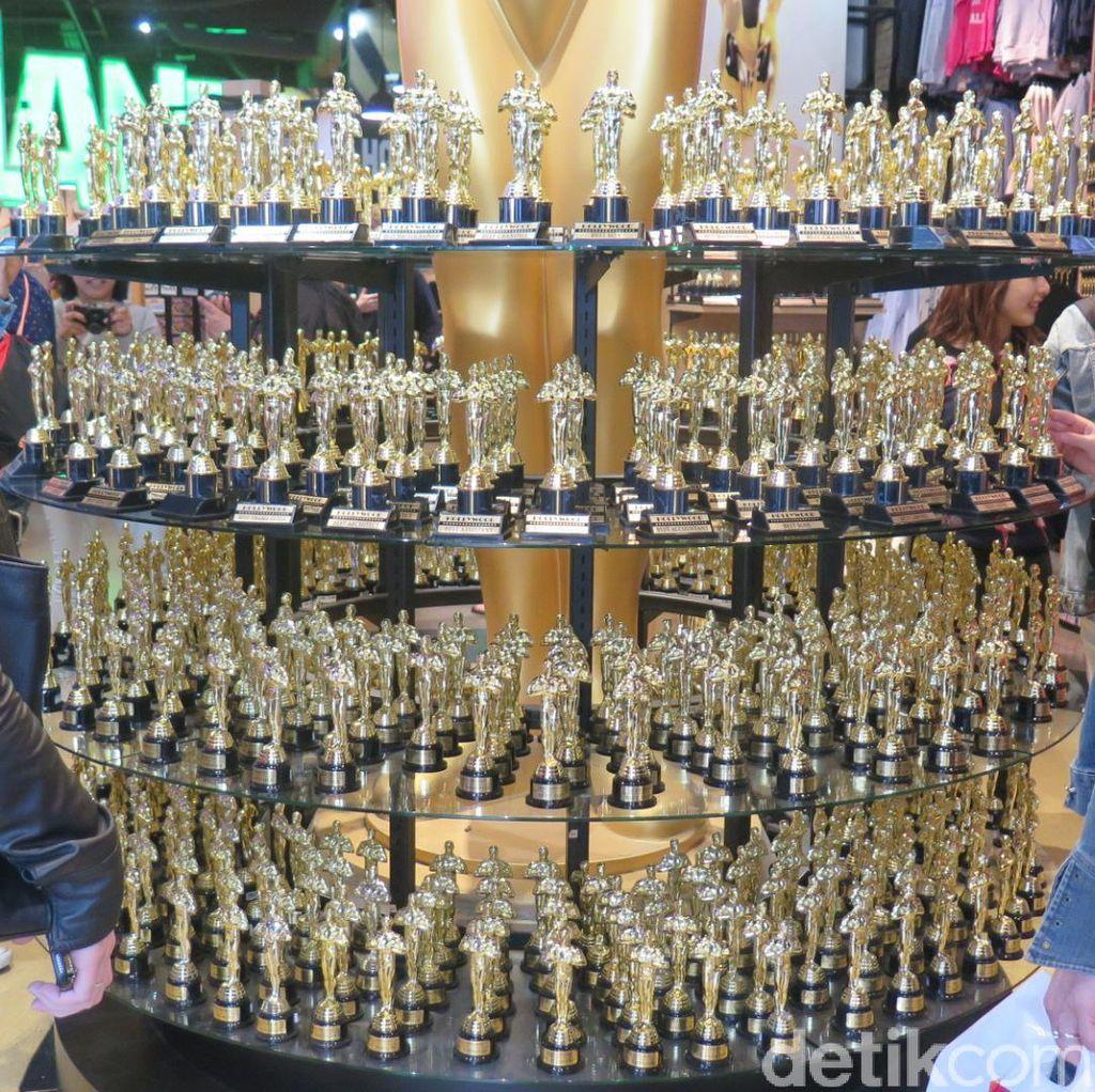 Pernak-pernik Bertemakan Oscar Ramai Dijual di Hollywood