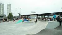 Di bagian tengah RTH dibangun arena bermain skateboard dan sepeda. Arena ini dibangun dengan lanskap 3D lho (Bonauli/detikTravel)