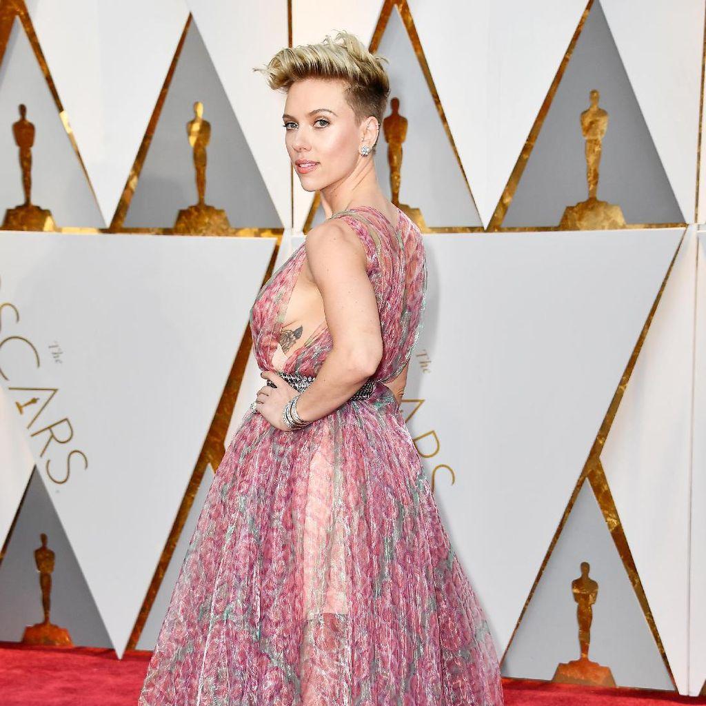 Alasan Scarlett Johansson Tak Mau Segera Cari Suami Baru