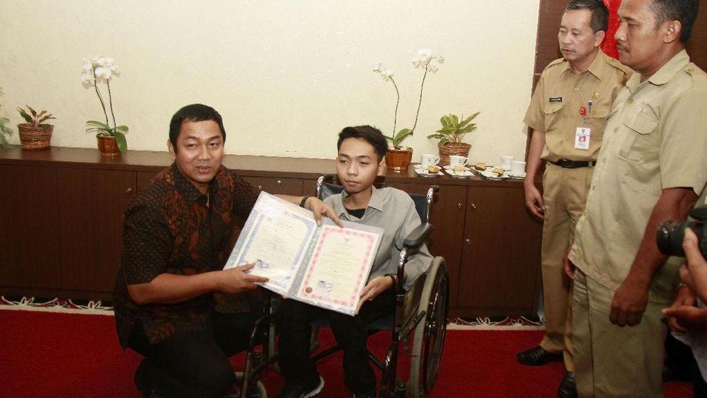 Siswa Difabel di Semarang ini Akhirnya Terima Ijazah