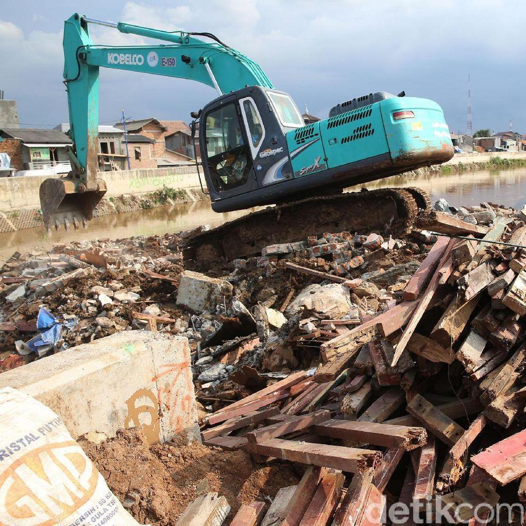 Proses Penurapan Ciliwung Bukit Duri Dilanjutkan