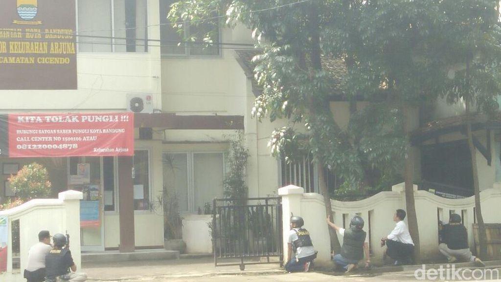 Polisi Berupaya Tangkap Hidup-hidup Pelaku Bom Panci di Bandung