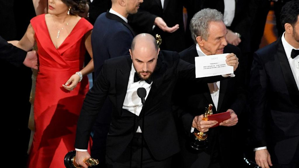 Best Picture Oscar 2017 La La Land, Ups! Moonlight