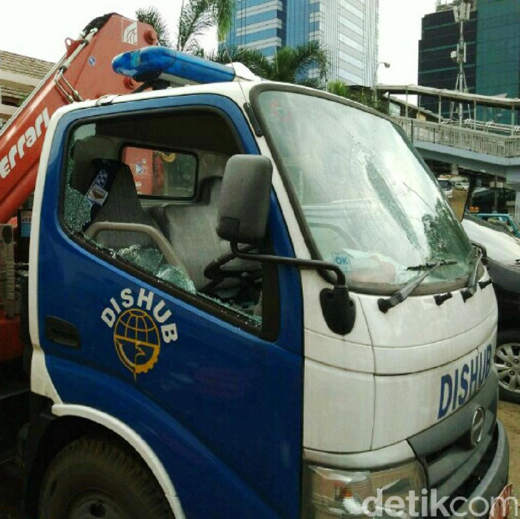 AM, Pria yang Ngamuk dan Rusak Mobil Dishub Dilaporkan ke Polisi