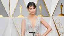 Pesan Amal di Balik Gaya Glamor Olivia Culpo di Red Carpet Oscar 2017