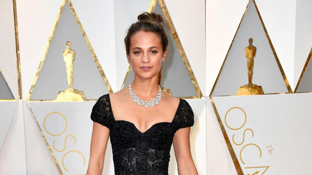 Alasan Alicia Vikander Perankan Lara Croft: Shes Kick Ass!