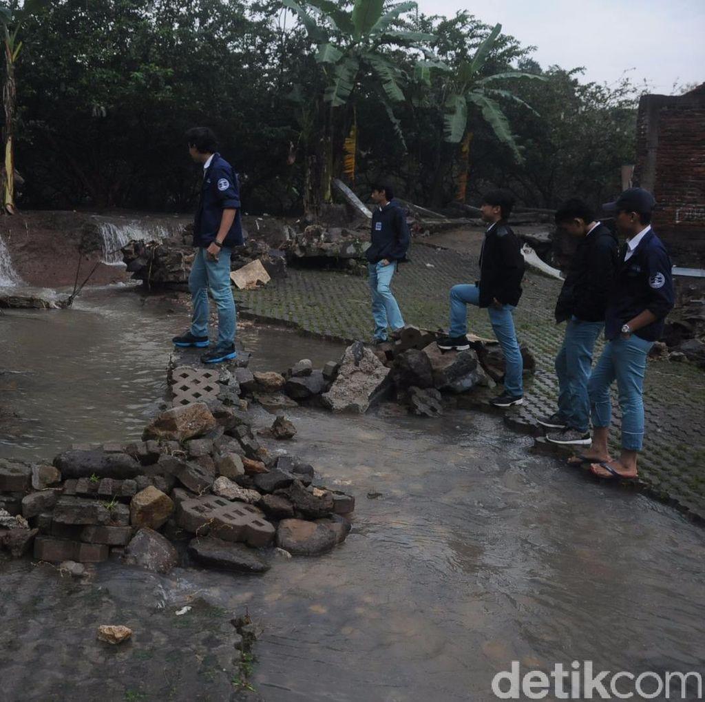 Banjir Bogor, 3 Rumah dan Motor Siswa SMAN 2 Rusak