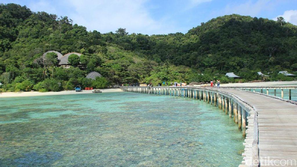 Ini Alasan Mengapa Pulau Bawah di Anambas Lebih Indah Dari Maladewa