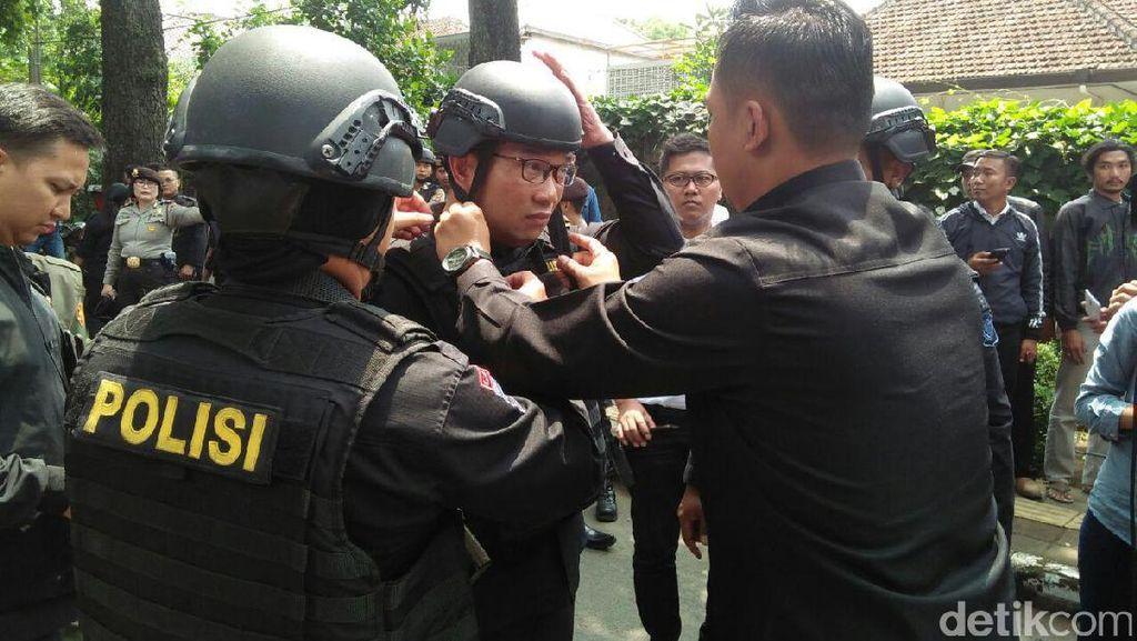 Ridwan Kamil Berompi Anti Peluru di Lokasi Pelaku Bom Panci