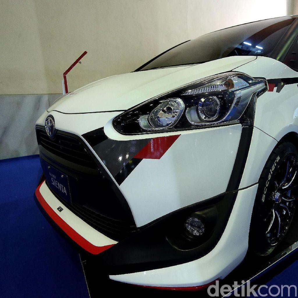 Toyota Sienta Sporty