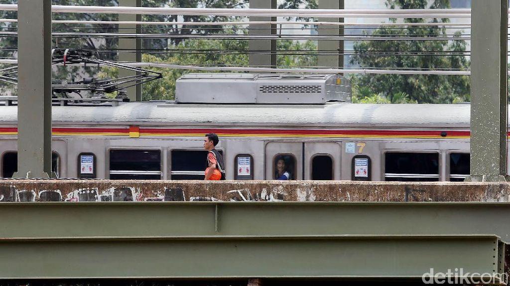Kereta Bandara Soetta Berangkat dari Stasiun Manggarai dan Kota