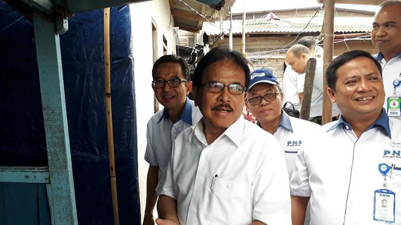 Blusukan ke Kampung Nelayan, Menteri ATR Cek Sertifikat Tanah
