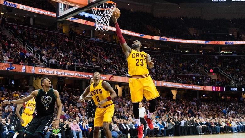 James Kembali, Cavaliers Atasi Bucks 102-95