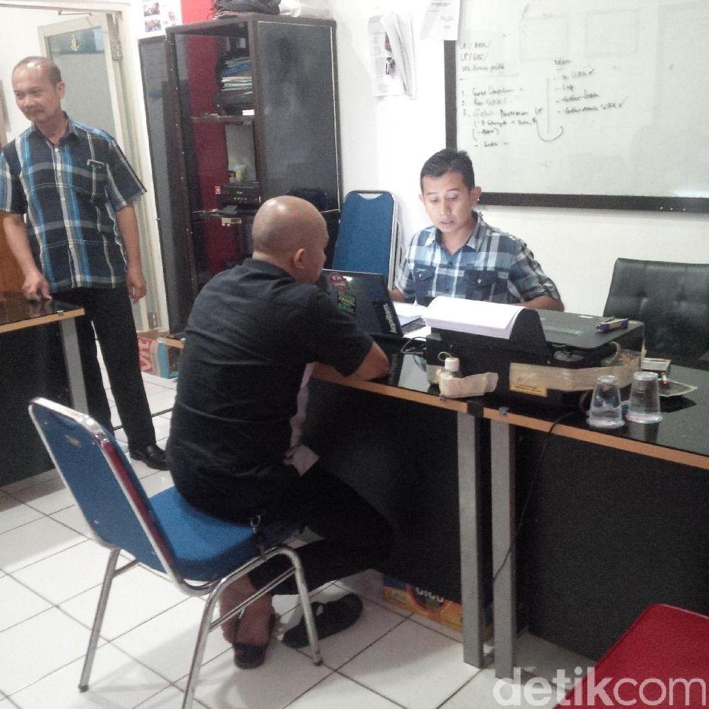 Kasus Dugaan Penipuan, Kades di Purwakarta Dijemput Paksa Polisi