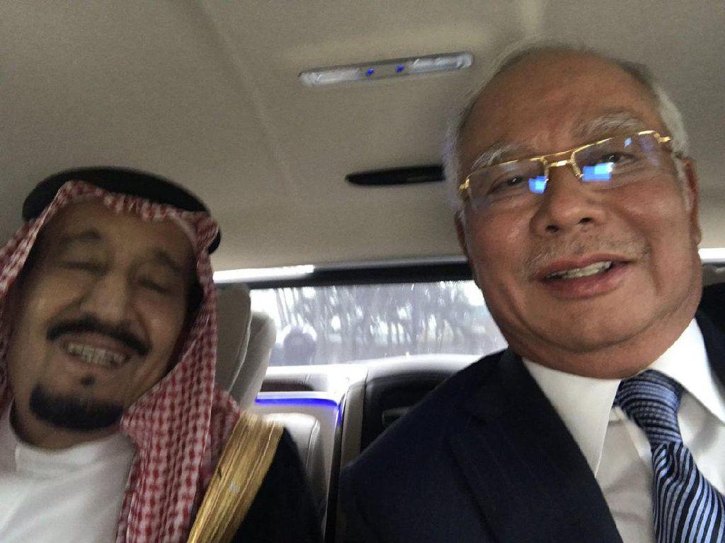 Momen Keakraban Raja Salman dengan PM Malaysia Lewat Selfie