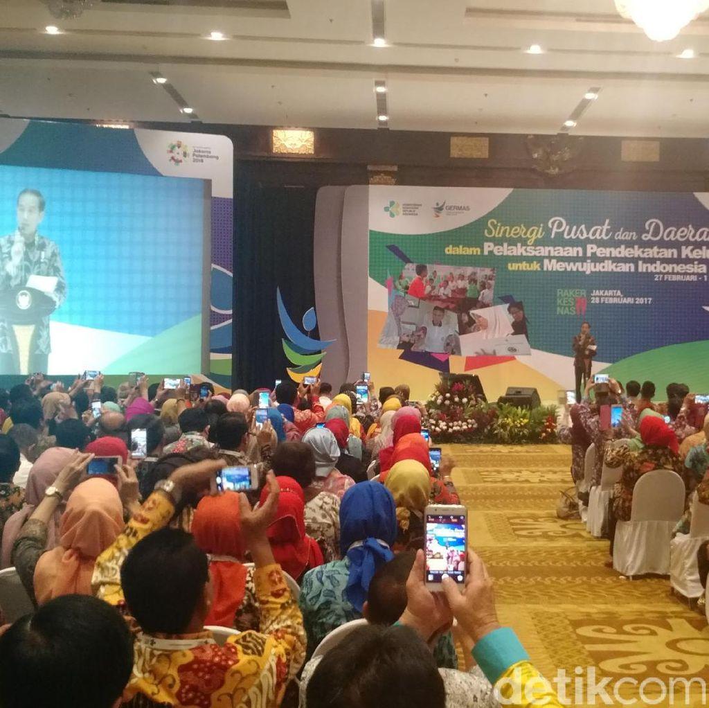 Jokowi: Tenaga Kesehatan Harus Aktif, Jangan Cuma di Puskesmas