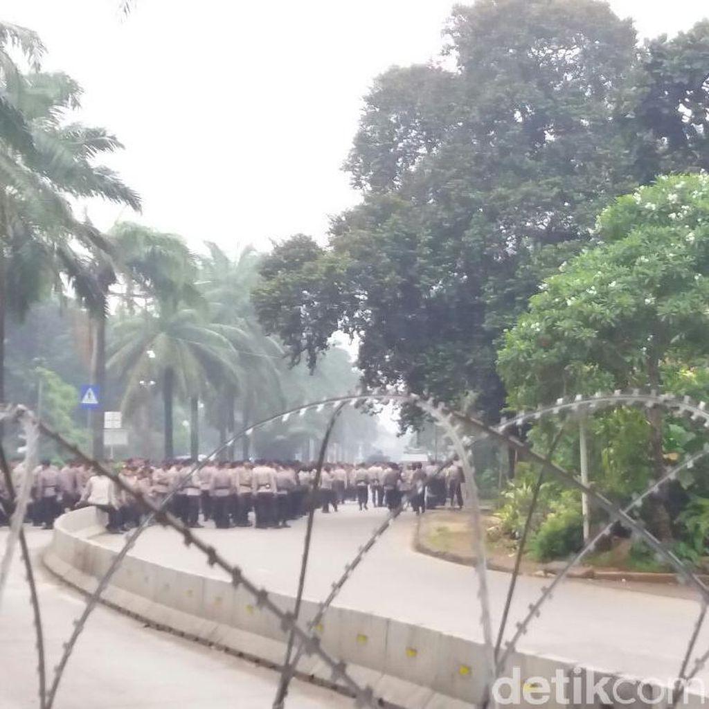 Jelang Sidang Ahok, Polisi Tambah Pengamanan di Depan Kementan