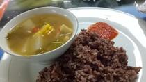 Lagi Diet Juga Bisa Pesan Nasi Merah dan Pepes Ayam di Kantin Ini