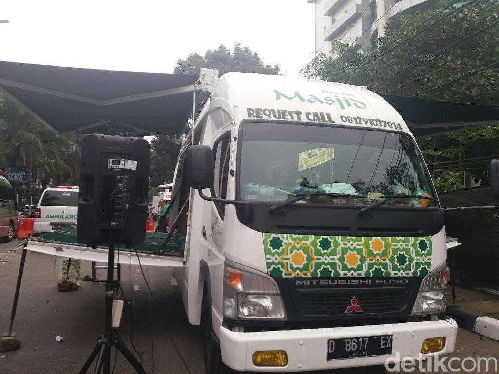 Ada Mobile Masjid untuk Massa di Lokasi Sidang Ahok Ke-12