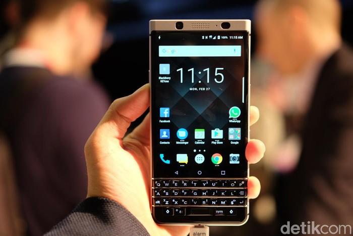 Ilustrasi BlackBerry KEYone (Foto: detikINET/Ardhi Suryadhi)