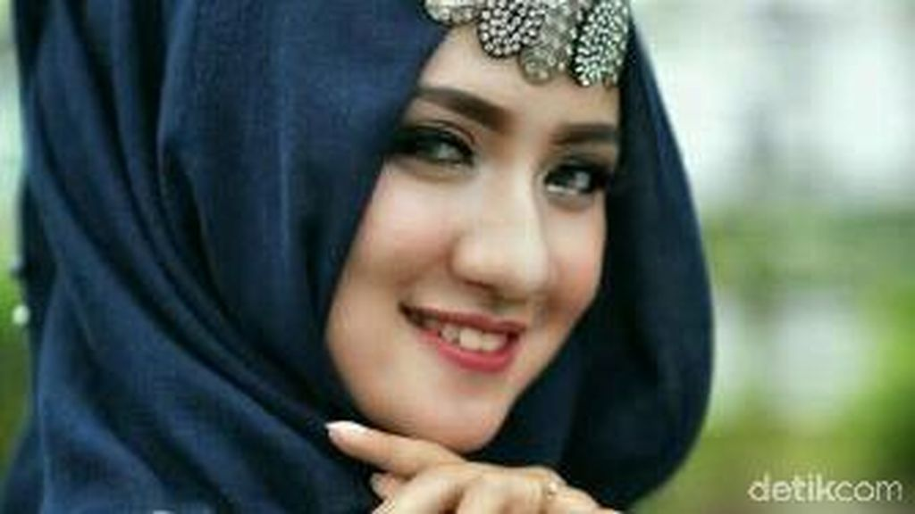 Foto: Tarik Perhatian dengan Headpiece, Ini Gaya 6 Peserta Hijab Hunt 2017