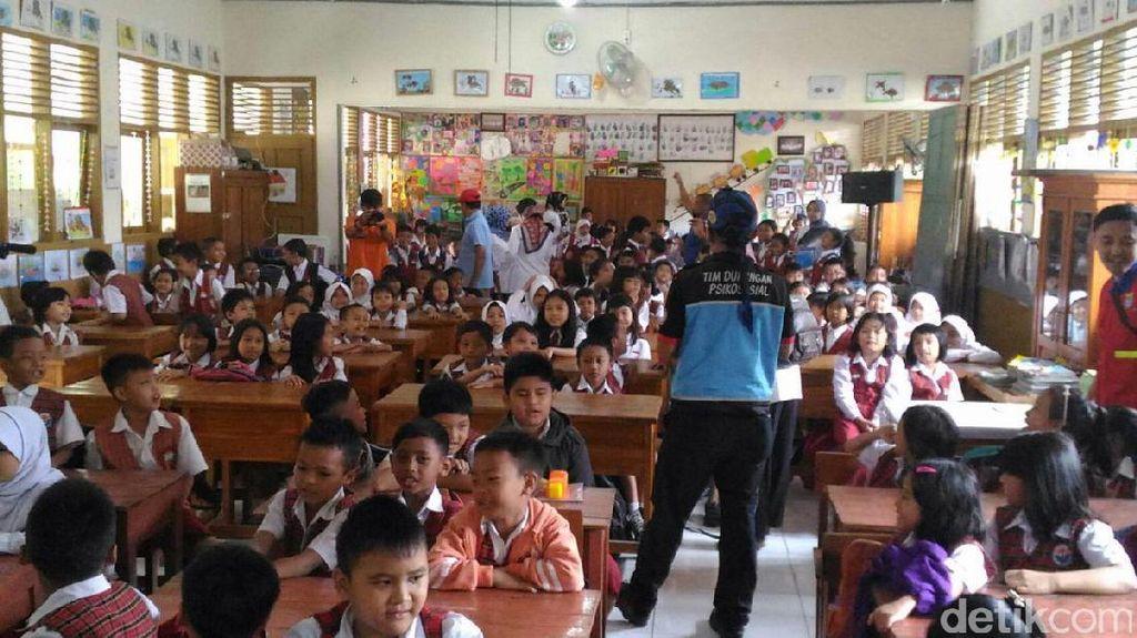 Ratusan Siswa SD di Dekat Ledakan Bom Panci Ikut Trauma Healing