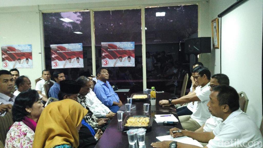 Sandiaga Janji Tingkatkan Aset PKL Lewat OK OCE