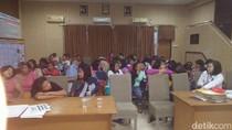 Penggerebekan Penampungan TKI Ilegal di Cirebon, Ortu Korban Bersyukur