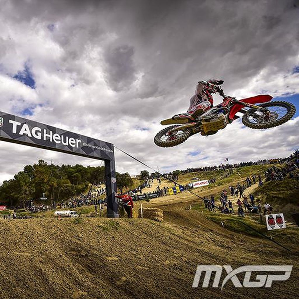 Cadas! Ini Serunya Aksi Rider Motocross MXGP