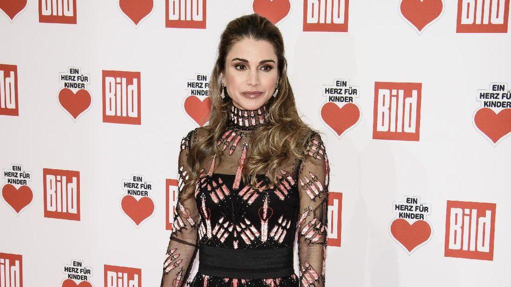 Foto: Anggun dan Stylish, Gaya Ratu Rania dari Yordania
