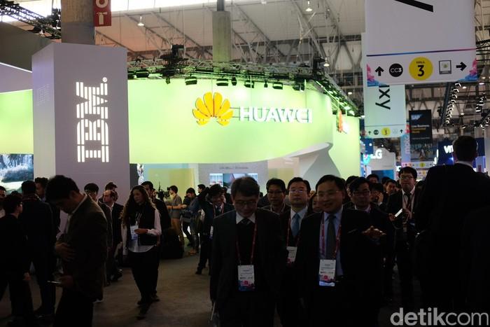 Vendor-vendor teknologi Asia pun sangat agresif di MWC 2017. Satu yang paling mencolok adalah Huawei. (Foto: detikINET/Ardhi Suryadhi)