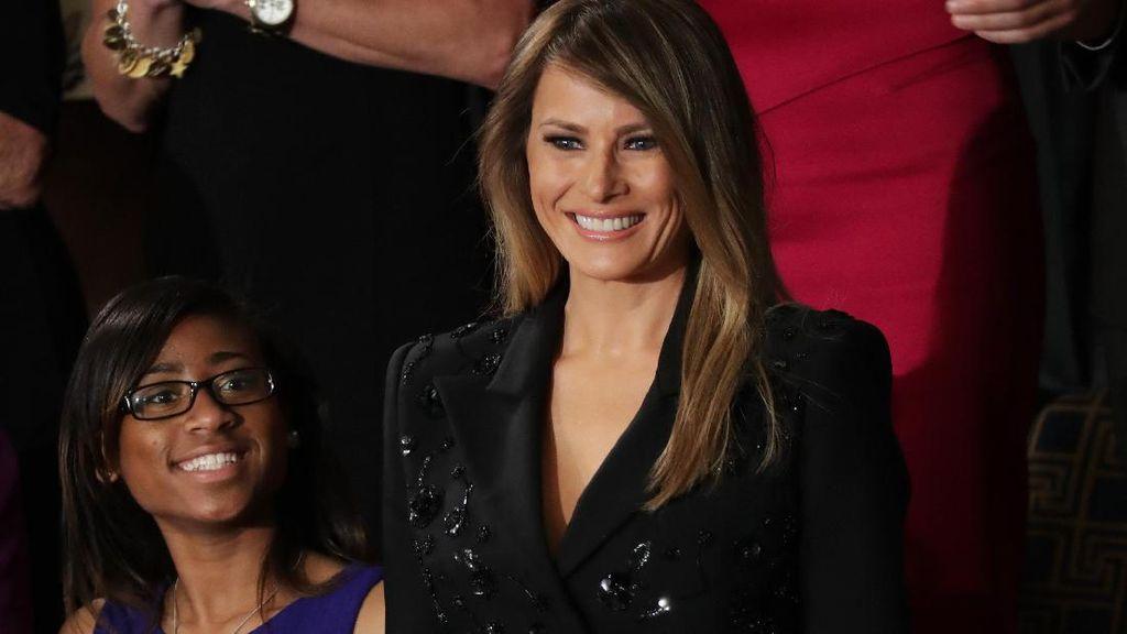 Digosipkan Selingkuh, Melania Trump Segera Pindah ke Gedung Putih