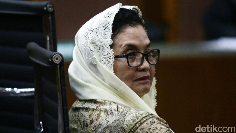 Siti Fadilah Debat dengan Saksi, dari Perkenalan hingga Investasi