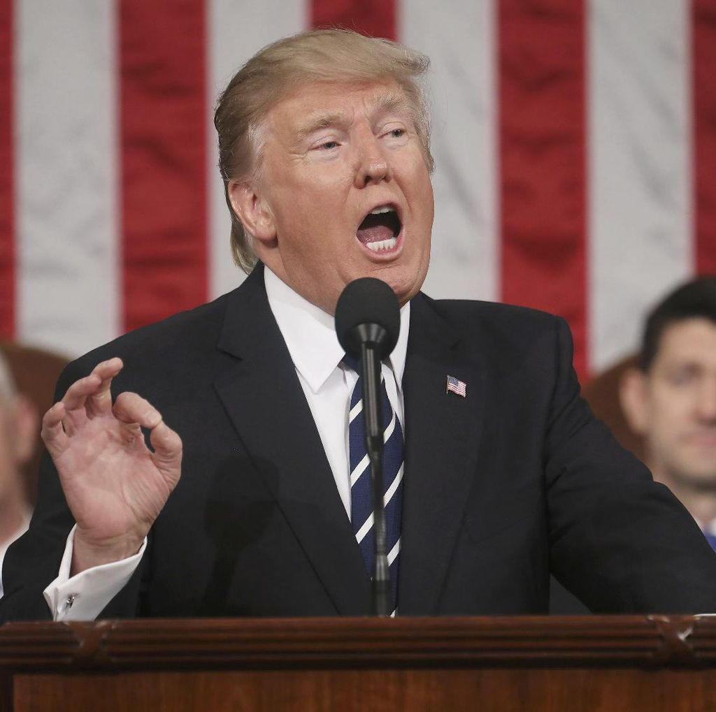 Ngakak! Giliran Donald Trump Nyanyi Despacito