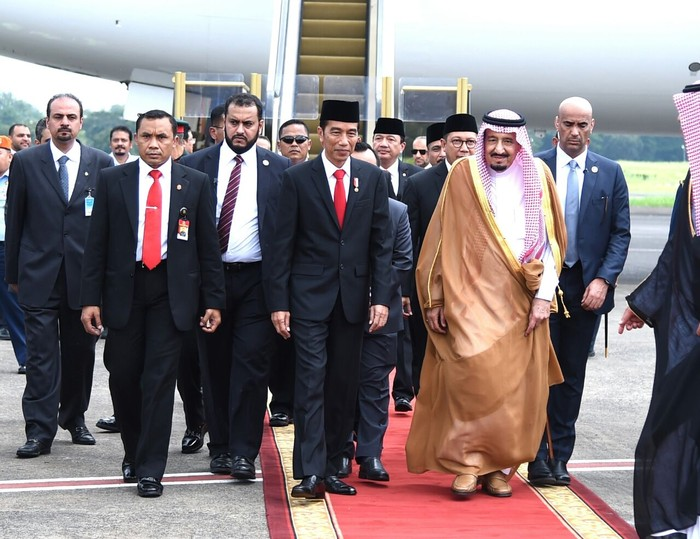 Presiden Jokowi sambut kedatangan Raja Salman (Foto: Rusman - Biro Pers Setpres)