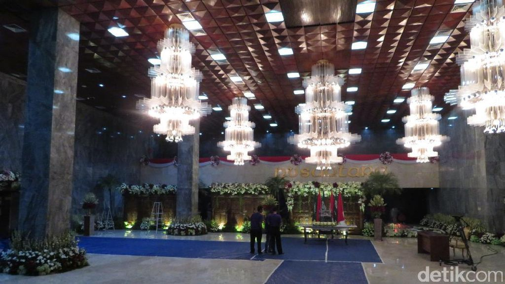 Suasana Gedung DPR Jelang Kedatangan Raja Salman